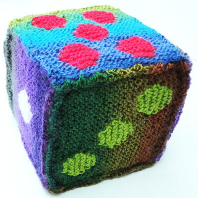 6 inch knitted play dice